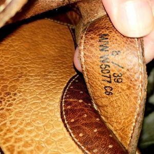 Ladies BORN leather mule slide on